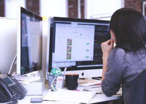 Digitalisierung und Outsourcing im Gesundheitswesen