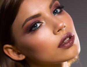 Nasenkorrekturen - Schönheitschirurgie