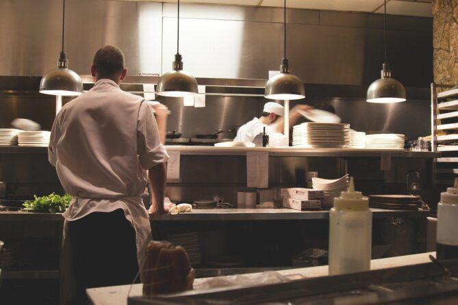 Hygiene in der Küche: Regeln für den Infektionsschutz