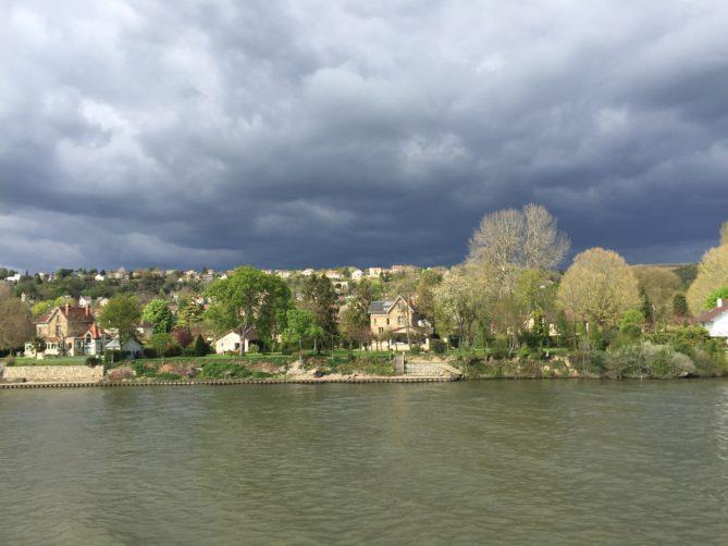 Dorf in der Normandie