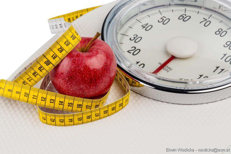 Übergewicht und Krebs, Fettgewebe, Abnehmen, Diäten, Dicke Kinder; Übergewicht, Waage, Abnehmen, Übergewicht, Abnehmen, Adipositas, Übergewicht, Fettverbrennung